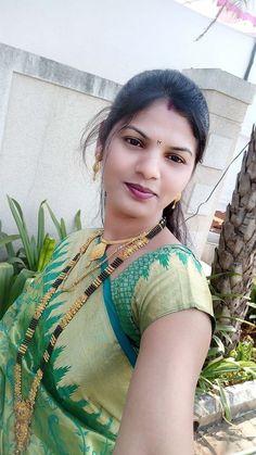 Beautiful Women Over 40, Beautiful Girl Indian, Beautiful Girl Image, Cute Beauty, Beauty Full Girl, Beauty Women, Real Beauty, Indian Natural Beauty, Indian Beauty Saree