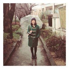 """""""冷たい雨の日だってシアワセは見つけられる。 #RAINYDAY #HAPPY #HELLO"""""""