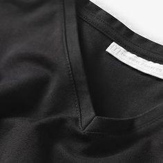The White T-Shirt Co | Men's black fitted organic cotton short sleeved V neck t-shirt