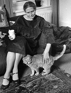 Doris Lessing and cat
