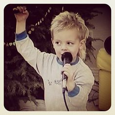 OMG and how flipping cute was @rossr5's mullet!? Awwwww #whoiam