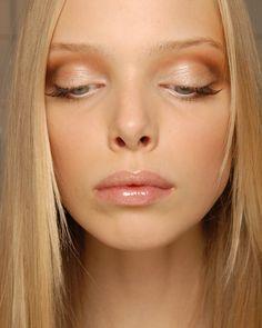 Resultados de la Búsqueda de imágenes de Google de http://molempire.com/wp-content/uploads/2012/03/Nude-Make-up-Spring-Summer-2012-Trends.jpg
