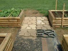 concrete sidewalk and the garden boxes! I want!