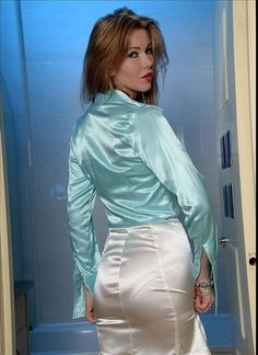 I am a straight male and have had a satin panty fetish my entire life. I love women in string bikinis made of satin the best. Sexy Blouse, Blouse And Skirt, Dress Skirt, Satin Skirt, Satin Dresses, Corset Dresses, Secretary Outfits, Belle Silhouette, Satin Blouses