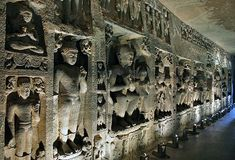 Ajanta caves were discovered in 19th century. Located in the state of Maharashtra, these caves have the paintings and sculptures that are a masterpiece of Buddhist religious art. These caves have been a UNESCO World Heritage Site since the year 1983. (India)