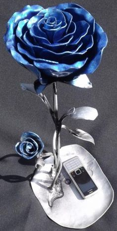 rosa de ferro azul 45cm altura escultura em ferro ferro serralharia