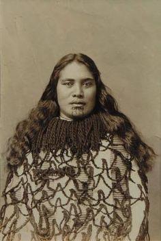 Maori Wahine with Moko Maori People, Tribal People, Tahiti, Polynesian People, Maori Art, People Of The World, Vintage Photographs, Historical Photos, Body Painting