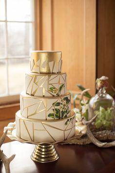 Modern Vintage Green & White Wedding Cake// Photography ~ Nataschia Wielink