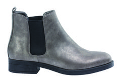 Schuhtrends von Voegele-Shoes im Emmencenter #trends #mode #schuhe #herbst #schuhtrends Fit, Chelsea Boots, Ankle, Shoes, Fashion, Autumn, Moda, Zapatos, Shape