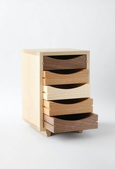 love the wooden drawers Unique Furniture, Wooden Furniture, Furniture Projects, Wood Projects, Furniture Design, Furniture Stores, Small Wooden Projects, Wooden Drawers, Wooden Chest