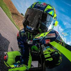 Valentino Rossi 46, Vr46, Motorcycle Helmets, Sport Bikes, Motogp, Cars And Motorcycles, Goat, Monster Trucks, Racing