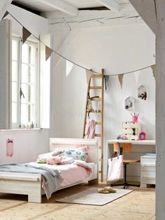Lovely matching of color and textiles | 10 Pretty Pastel Girls Rooms - Tinyme Blog