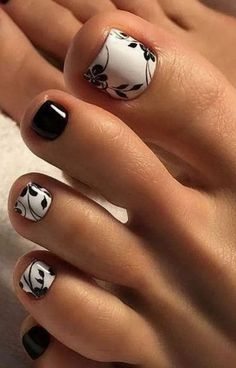 27 Adorable Easy Toe Nail Designs 2020 – Simple Toenail Art Designs : Page 14 of 25 : Creative Vision Design – nageldesign. Simple Toe Nails, Pretty Toe Nails, Cute Toe Nails, Fancy Nails, My Nails, Fall Toe Nails, Summer Toe Nails, Cute Toes, Pretty Toes