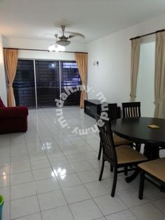 Sri Desa Condo Kuchai Lama Old Klang Road - **** Please contact Dianni Tai 016-487 5951 for more details/ viewing arrangement *** Sri Desa Condo, Kuchai Lama For Rent Unit Size: 940sf 3 Bedrooms 2 Bathrooms Unit come with renovated floor tile and newly paint. Partial furnished with Aircond, Firdge, Washing Machine, Curtain Railing, Gate Grill, and Kitchen Top. Facilities: Swimming pool, Playground, Gym room, Tennis court, covered parking and etc. Amenities : School, restaura