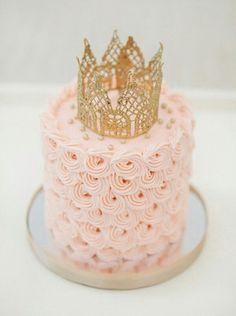 女の子だもん!きゅん♡とするパステルカラーのケーキで盛り上げたい!にて紹介している画像