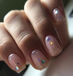 Want some ideas for wedding nail polish designs? This article is a collection of our favorite nail polish designs for your special day. Fancy Nails, Pretty Nails, Pretty Short Nails, Gorgeous Nails, New Year's Nails, Hair And Nails, Nude Nails, Pink Nails, Stiletto Nails