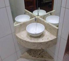 190 – Banheiro com bancada em Mármore Bege Bahia (Travertino) Small Vanity Sink, Corner Bathroom Vanity, Tiny House Bathroom, Modern Bathroom Design, Bathroom Interior Design, Shower Bathroom, Bathroom Basin, Washroom, Small Bathroom