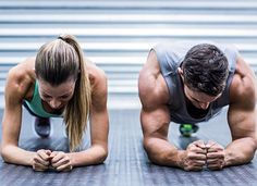 The latest tips and news on Ab Workouts are on POPSUGAR Fitness. On POPSUGAR Fitness you will find everything you need on fitness, health and Ab Workouts. Fitness Quotes, Fitness Tips, Health Fitness, Energy Fitness, Men Health, Photos Fitness, Gym Couple, Couple Workout, Workout Couples