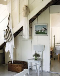 Justine Hand's Cape Cod cottage // Hallway // Storage // Home Decor // Remodelista Beach Cottage Style, Beach Cottage Decor, Coastal Cottage, Modern Cottage, Cottage Living, Cottages By The Sea, Beach Cottages, Beach Houses, Cape Cod Cottage