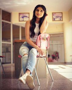 663.6k Followers, 257 Following, 845 Posts - See Instagram photos and videos from Kanika Mann (@officialkanikamann) Stylish Dpz, Stylish Girl, Girly Dp, Girly Pics, Indiana, Punjabi Models, Punjabi Actress, Crush Pics, Oufits Casual