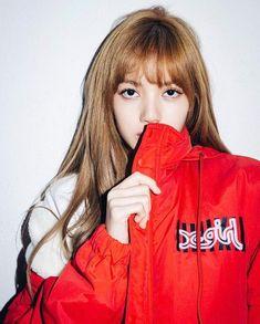 Lisa Blackpink with Lalisa Manoban Kpop Girl Groups, Korean Girl Groups, Kpop Girls, Kim Jennie, Yg Entertainment, K Pop, Rapper, Lisa Blackpink Wallpaper, Kim Jisoo