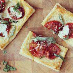 Roasted tomato and parmesan tart. Photo by sharonvak