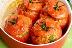 WW Tuna and Quinoa Stuffed Tomatoes - Main Course and Recipe - tomatoes stuffed with tuna and quinoa WW, recipe for a good light dish, easy and simple to prepare - Healthy Meals For One, Easy Healthy Recipes, Vegan Recipes, Easy Meals, Healthy Food, Weigth Watchers, Clean Eating Snacks, Salad Recipes, Dessert Recipes