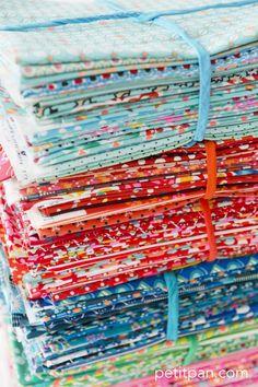 Palette de couleurs des tissus Petit Pan.