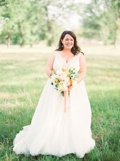 Watters Soledad gown in ivory, Lavender inspired vineyard real wedding | Wedding Sparrow