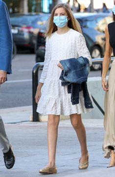 Infanta Sofía: su influencia en la nueva colección de Zara - Foto 1 Hugo Boss, Vestidos Zara, Saint Laurent, Topshop, Queen Letizia, Spring Fashion, Diana, Spring Summer, Mens Fashion