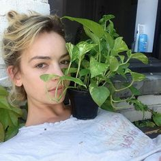 Casey Atypical, Casey Newton, Pretty People, Beautiful People, Brigette Lundy Paine, Insta Photo Ideas, Attractive People, Brie, Women Empowerment