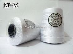 Benang Rajut Nylon Peniti D 27 Bahan: nylon Hakpen : 3/0 - 6/0 (2.25 - 3.5 mm) Berat bruto/ gulung: bervariasi 304 - 309 gram (sampel, random) Panjang/ gulung: tidak diketahui  Harga: Rp 40.000/ gulung (belum tersedia harga grosir) Ready 13 warna (sesuai gambar) Karateristik: Mengkilap, kokoh (lebih kokoh dari polyester), kaku, licin ketika dikaitkan dengan hakpen. Tidak untuk produk 'wearable'/ pakaian.  Rekomendasi proyek: tas, dompet.  Penting: 1. Kemasan dalam bentuk kon plastik. 2…