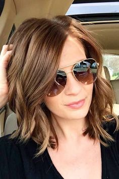 You will see many classy, wavy, messy hairstyles but medium hairstyles are one of them. If you need some special bob hairstyles, than these options is for you. Must try. #bobhairstyles #bobhairstylesmedium #bobhairstylesforfinehair
