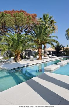 Pool at the Hotel Sazz in Saint Tropez, France designed by Studio Ory Saint Tropez, Hotel Safe, Das Hotel, Hotels And Resorts, Best Hotels, Hilton Hotels, Top Hotels, Beach Resorts, Luxury Houses