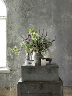 Late summer blues - tinahellberg.se  Simply adding flowers to a gray color palette