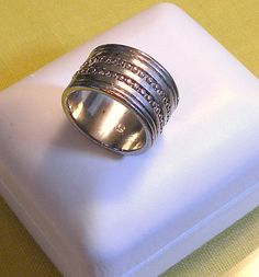 Vintage Ring Wide Band Silver Tone Size 8 Gorgeous Vintage Ring