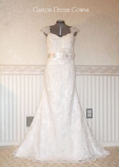 New A-Line Wedding Dress: Romantic Allover Lace A-Line Gown with Sweetheart Neckline Elegant Detachable C
