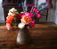 Posie October: Roses and Lavender Flower Arrangements, How To Find Out, Glass Vase, Lavender, October, Roses, Garden, Flowers, Beautiful