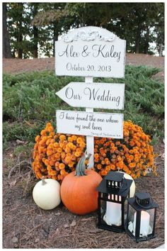 fall wedding ideas with pumkins and wedding sign - Deer Pearl Flowers