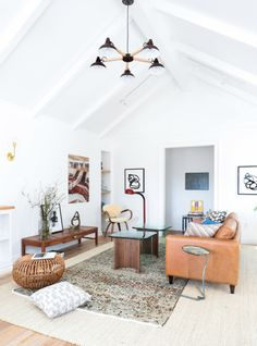 Layered rugs: http://www.stylemepretty.com/living/2016/11/03/interior-design-trends-that-arent-going-anywhere/ Photography: Tessa Neustadt - http://tessaneustadt.com/
