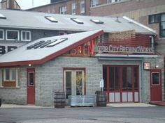 Motor City Brewing Works, Detroit MI   patio drinkin