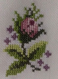 Lines and Points- Linhas e Pontos Lines and Points - Hardanger Embroidery, Ribbon Embroidery, Cross Stitch Designs, Cross Stitch Patterns, Crochet Bedspread, Cross Stitch Rose, Bargello, Cross Stitching, Needlepoint