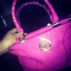 i like this purse