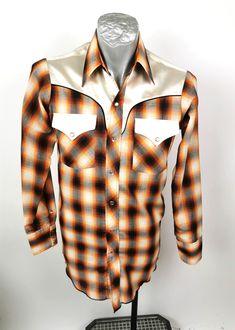 Johnny West Mens Shirt MWG Western Pointed S Tails Orange Plaid Retro 70s Long Sleeve #timetravel #shirtsleeve #70sshirt #retroorange Xl Shirt, Shirt Sale, Shirt Sleeves, 70s Shirts, Retro Shirts, Mens Sleeve, Orange Shirt, Vintage Outfits, Vintage Clothing