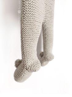 Polaina de punto NUR - Tutorial y Patrón - - Bebe - Easy Baby Knitting Patterns, Baby Sweater Knitting Pattern, Knitting Stitches, Baby Leggings Pattern, Knit Leggings, Baby Girl Dress Patterns, Knitted Booties, Kimono Pattern, Knitted Baby Clothes