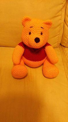 Amigurumi Winnie the Pooh – FREE Crochet Pattern / Tutorial it's in Spanish but … – Amigurumi Free Pattern İdeas. Crochet Amigurumi Free Patterns, Crochet Bear, Knit Or Crochet, Cute Crochet, Crochet For Kids, Crochet Animals, Crochet Crafts, Crochet Dolls, Crochet Projects