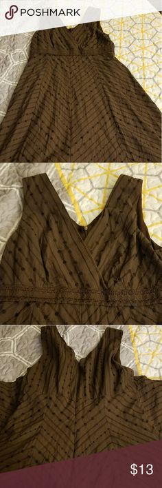 Cute brown dress Very cute brown dress worn 1x for wedding. Perfect condition. Rabbit Rabbit Rabbit Dresses