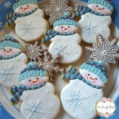 Let it Snow Christmas Biscuits, Christmas Sugar Cookies, Christmas Sweets, Noel Christmas, Christmas Cooking, Holiday Cookies, Fancy Cookies, Cute Cookies, Iced Cookies