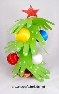Christmas Crafts | 'Hand' cut Christmas Tree for kids to make {Handprint Craft}