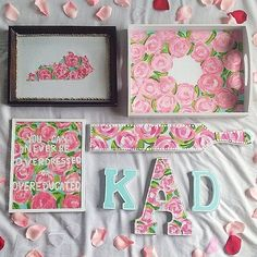 Lilly Pulitzer room decor- one pattern for all - i love the kentucky lilly cut out! Cute Crafts, Diy And Crafts, Arts And Crafts, Chio, Sorority Sugar, Sorority Life, Craft Projects, Projects To Try, Craft Ideas
